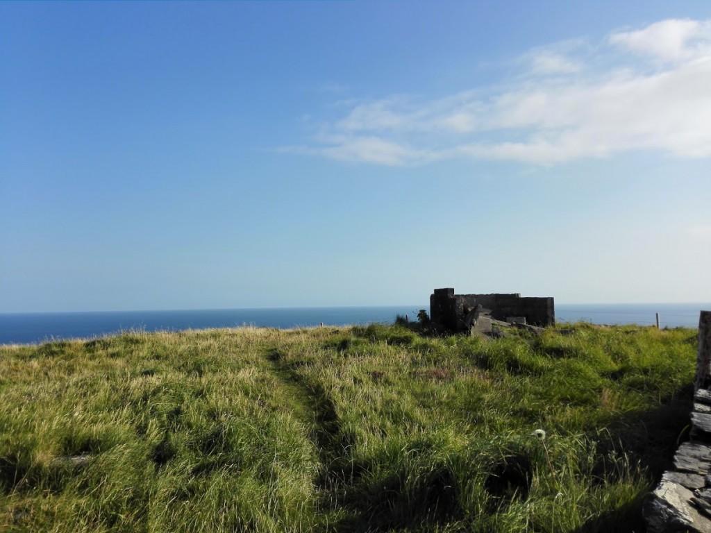 Irland-blue-sky